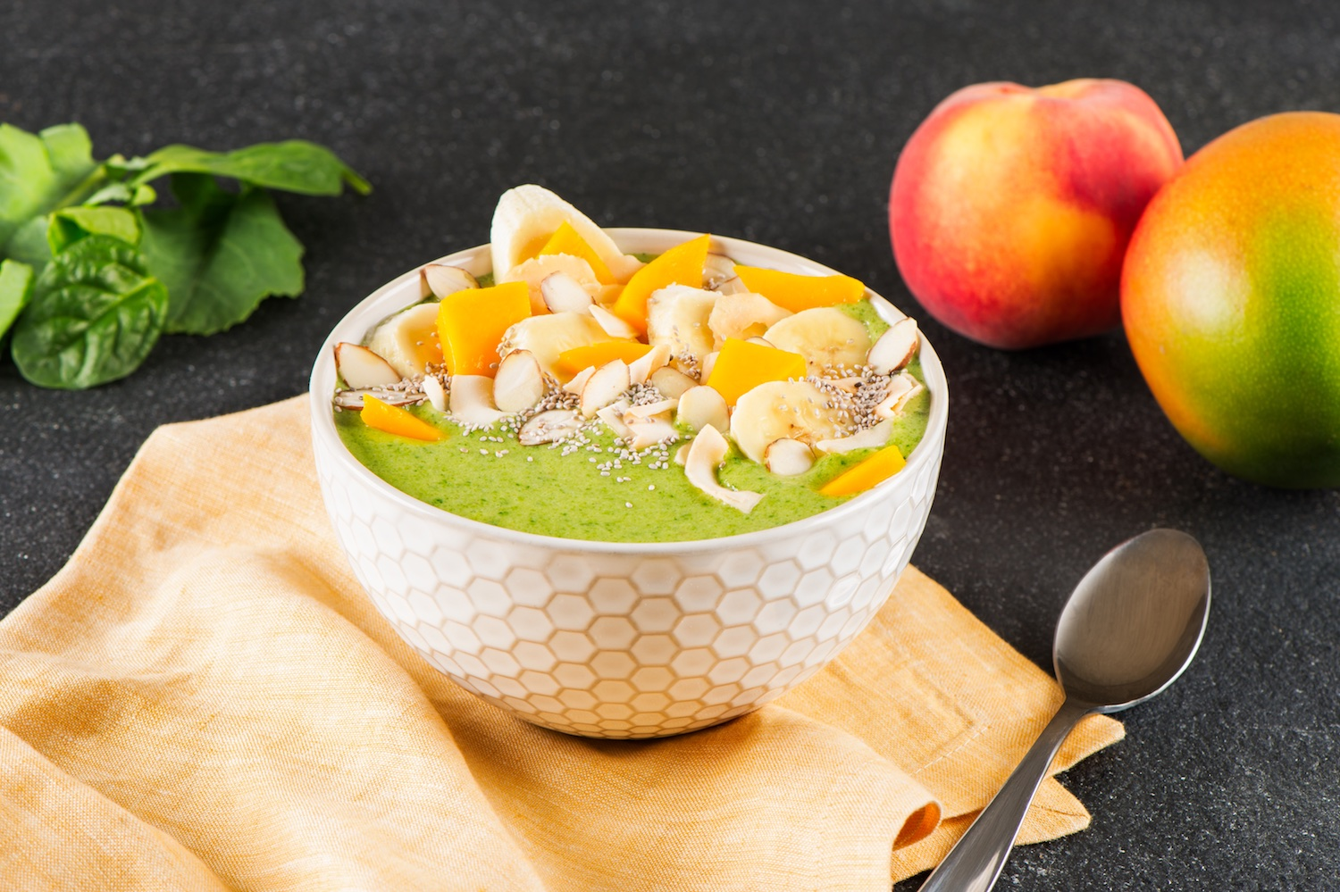 Bol de smoothie vert tropical / Tropical Green Smoothie Bowl
